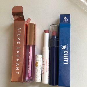 Lipstick and lipgloss bundle